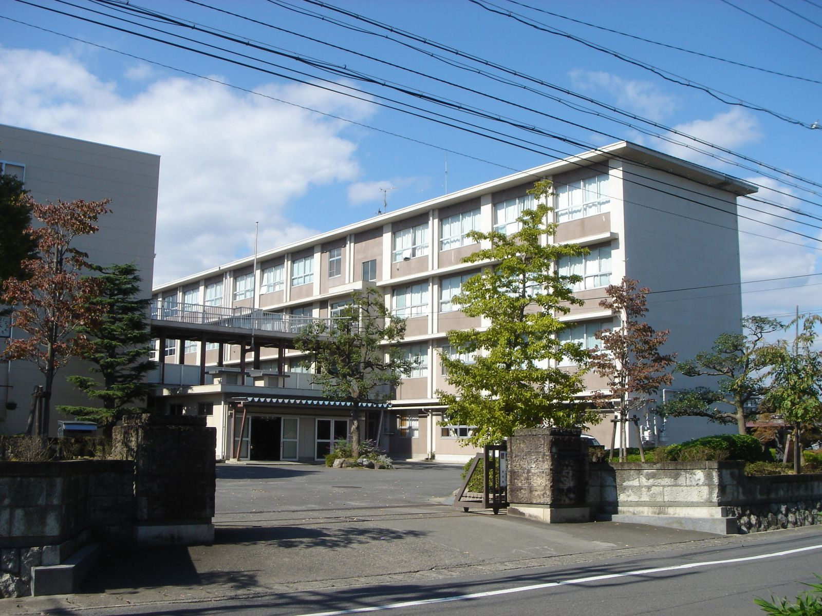 Ogaki_Higashi_Senior_High_School01