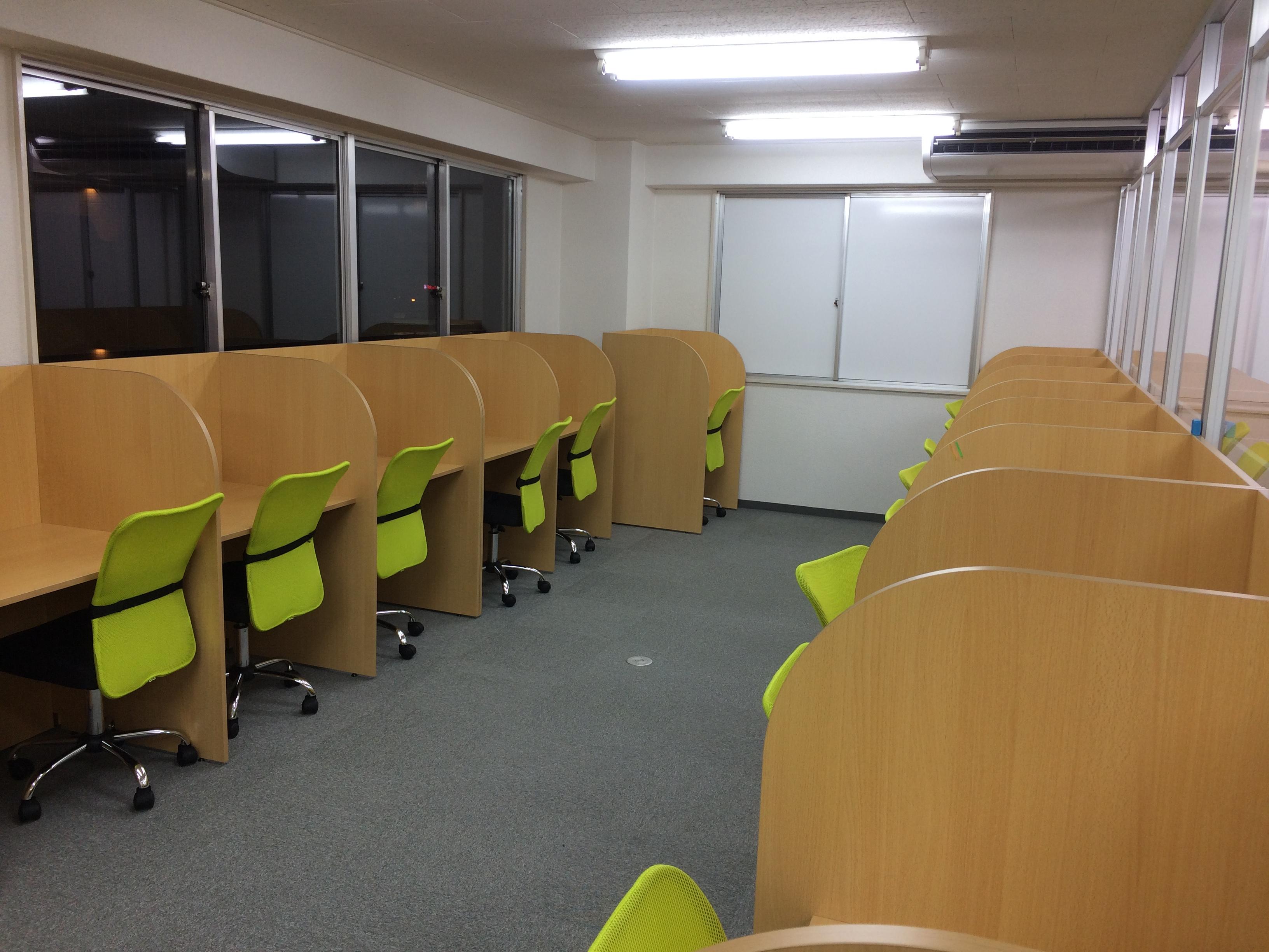 広い自習室
