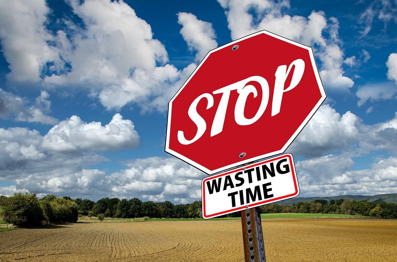 stop-3089945_1280