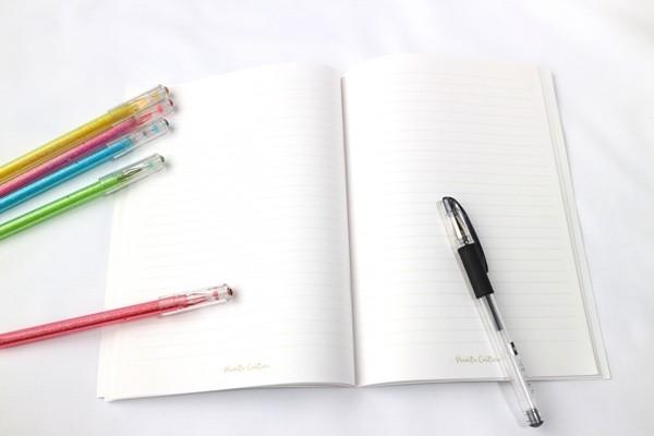 ノートと色ペン
