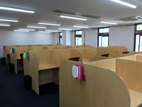 武田塾秋田校の自習室スペース
