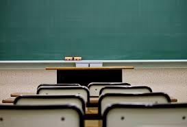 学校教室画像