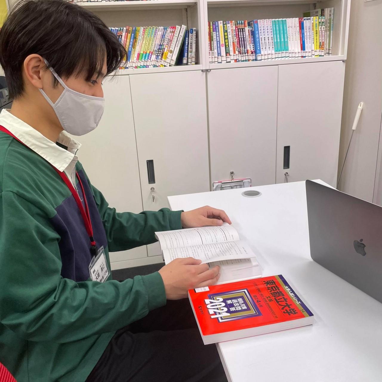 現役で東京都立大に逆転合格した元武田塾生の講師が武田塾の魅力を語る