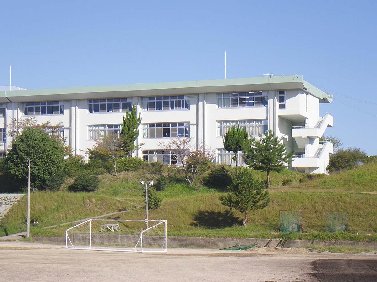 生駒高校 南面 景色 進学実績 合格実績 進路 偏差値 進学実績 口コミ 評判